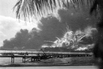WWII EXPLOSION USS SHAW