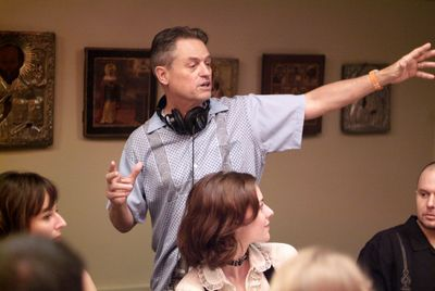 Demme directing the cast of Rachel Getting Married